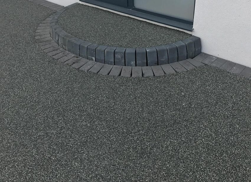 dark grey resin drive